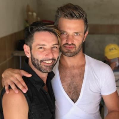 4 annonces d'hommes gays à rencontrer