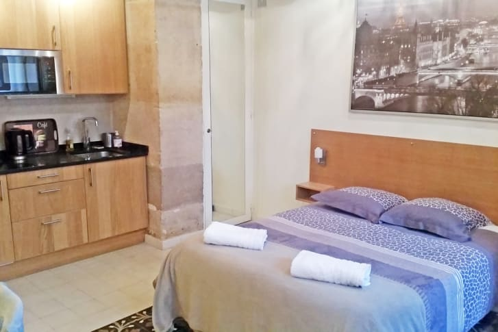 Gay Travel Guide Rennes│ misterb& b