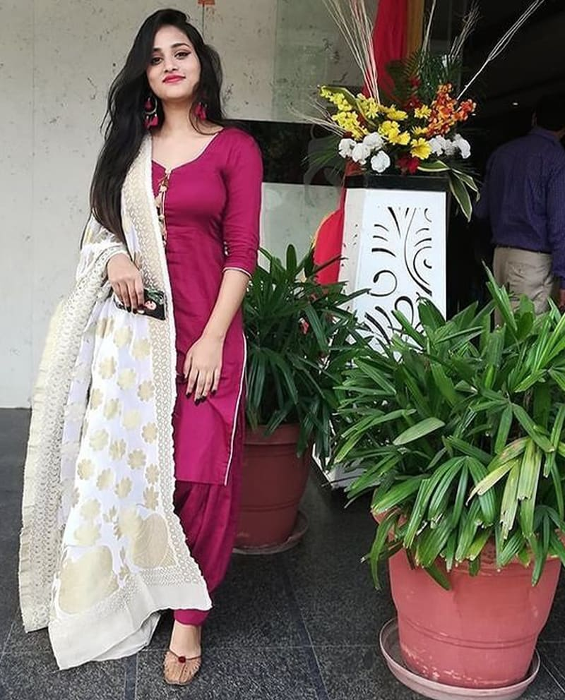 Housewife Charming Escort Service in Jaipur