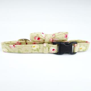 Beige Rose cat collar with bowtie
