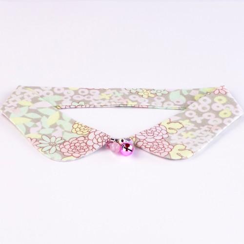 Pastel Bouquet decorative collar