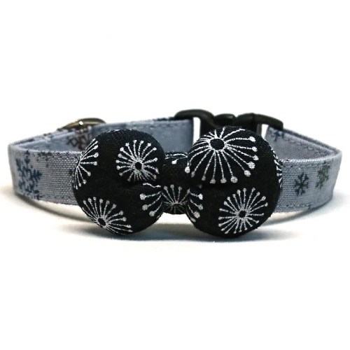 Denim Hanabi collar with bowtie for cats and small dogs