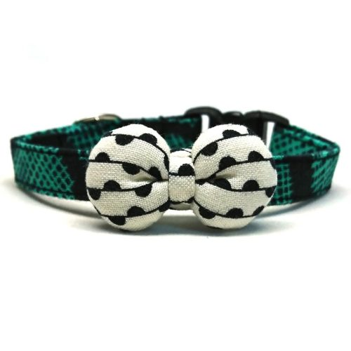A Pop Of Green collar with bowtie for cats and small dogs