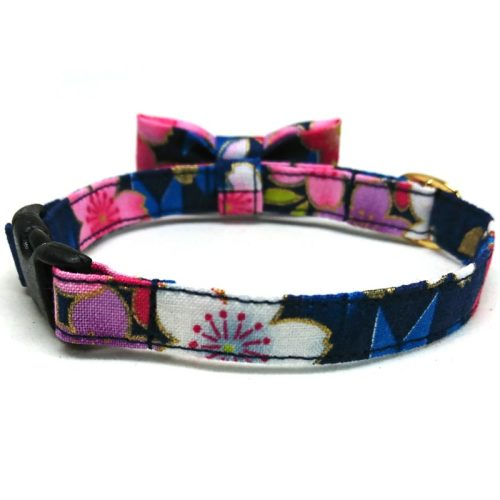 Sakura Bouquet collar with bowtie for cats and small dogs
