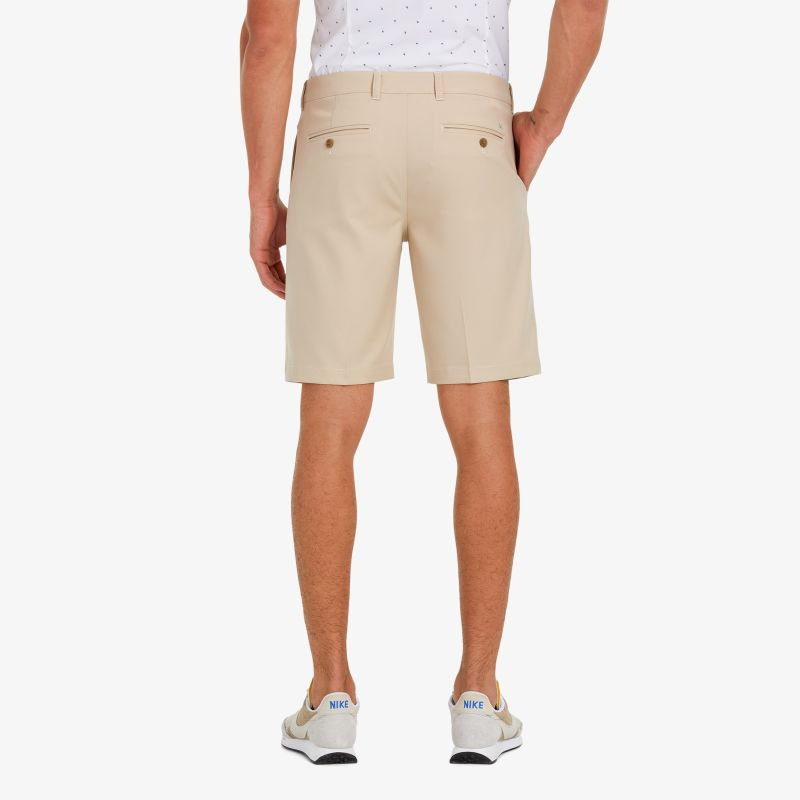 Baron Shorts - Sand Solid, lifestyle/model