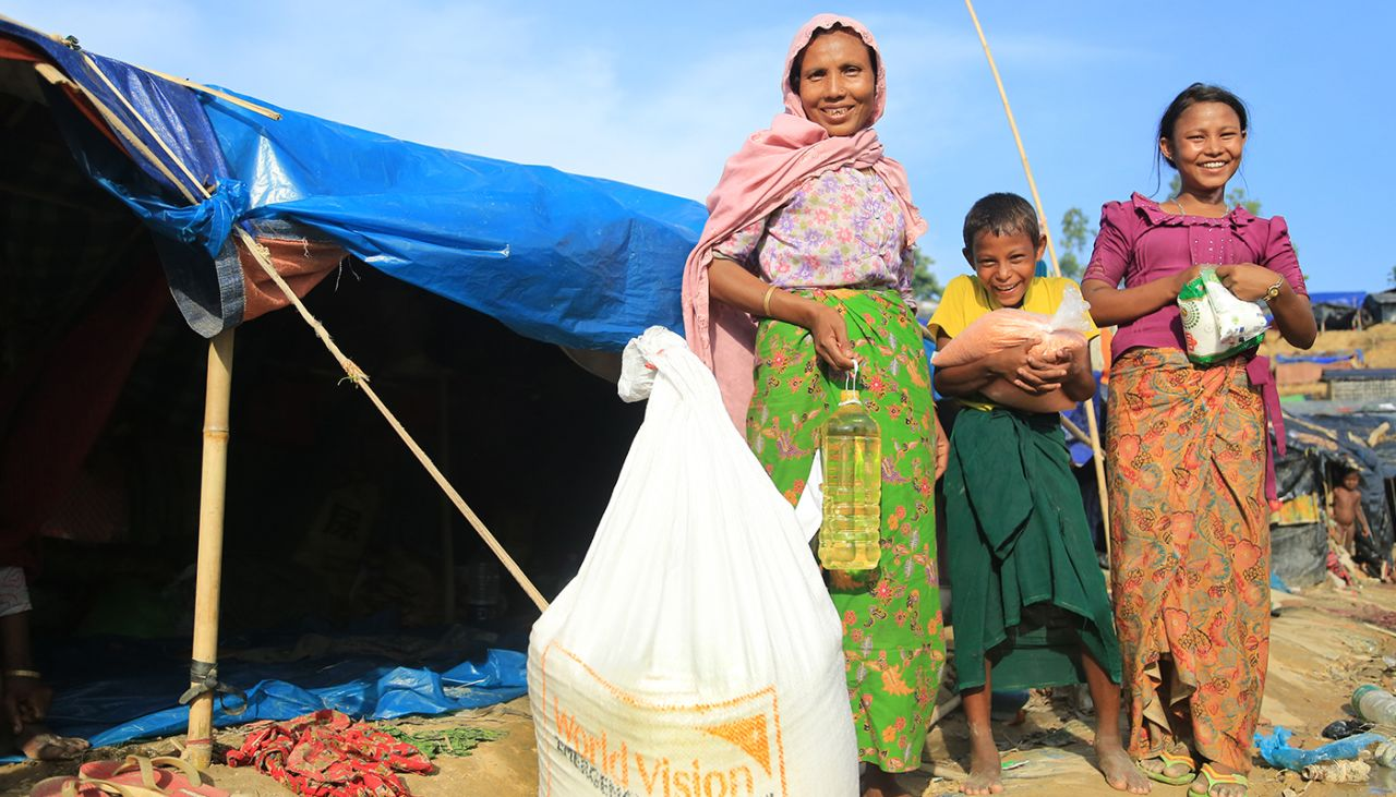 World Vision scales up its response in Bangladesh