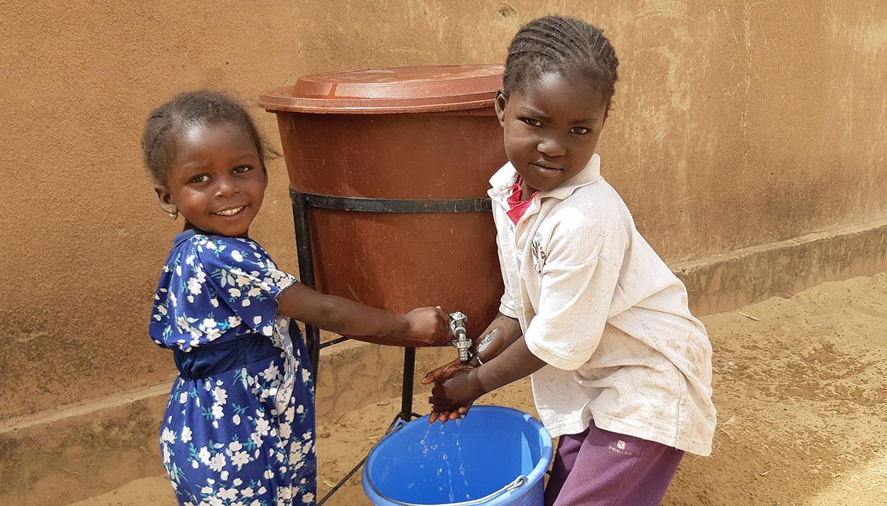 Handwashing in Togogana