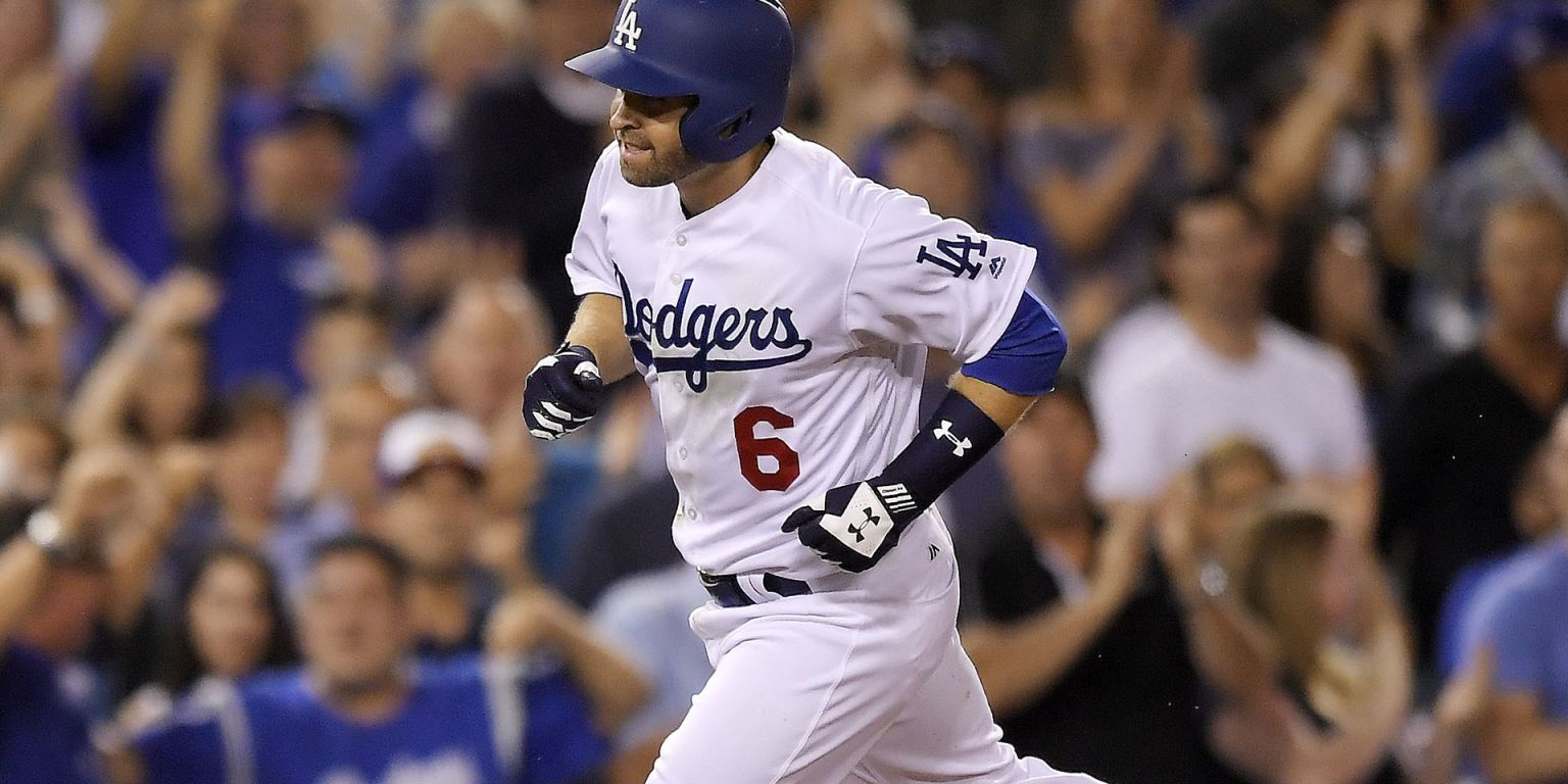 Brian Dozier hits home run in Dodgers debut  a62f91e0bb9