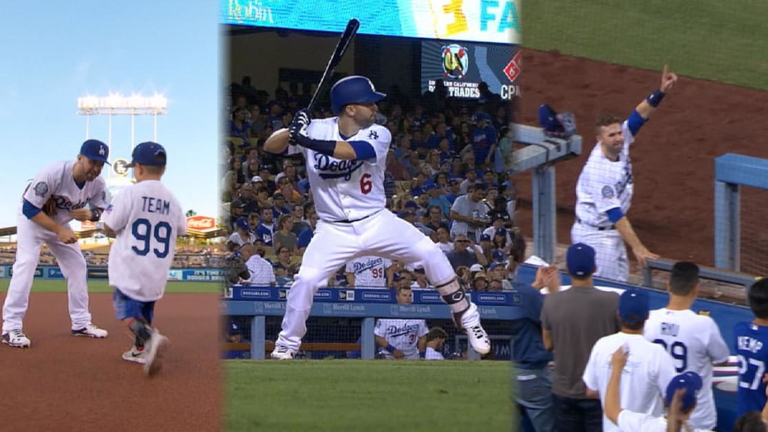 Dozier s 1st Dodgers HR leads to curtain call 81792b400c1