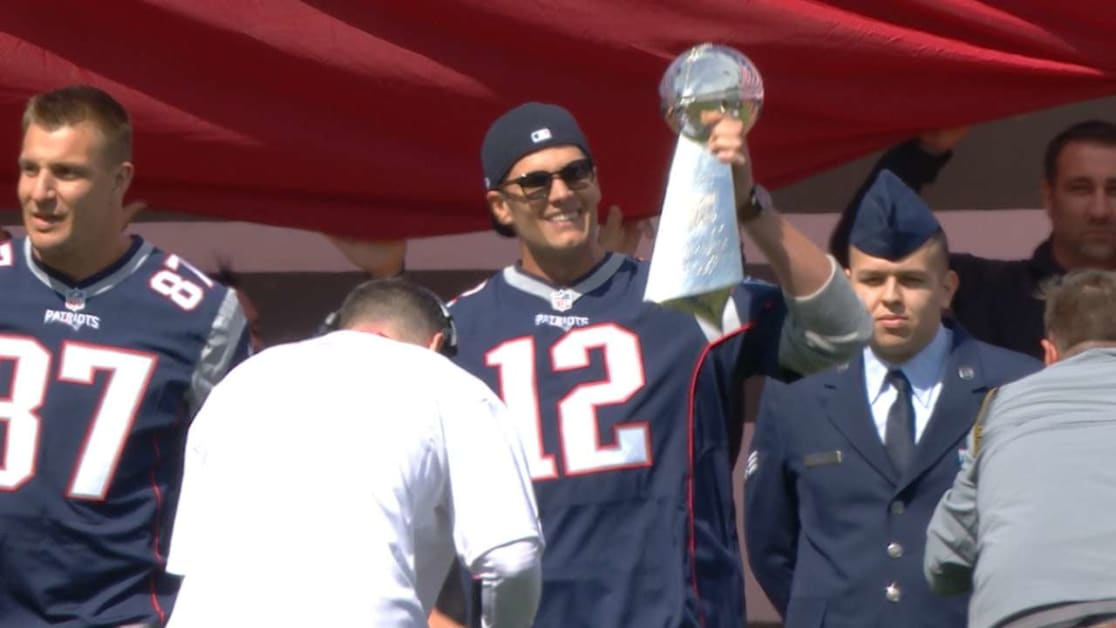 Tom Brady throws out first pitch at Fenway  0f5bc62aa