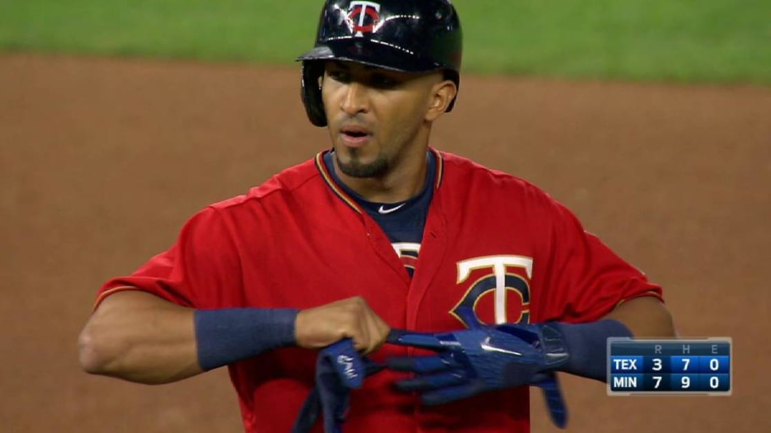 Twins beat Rangers behind Colon complete game  c06d9330f