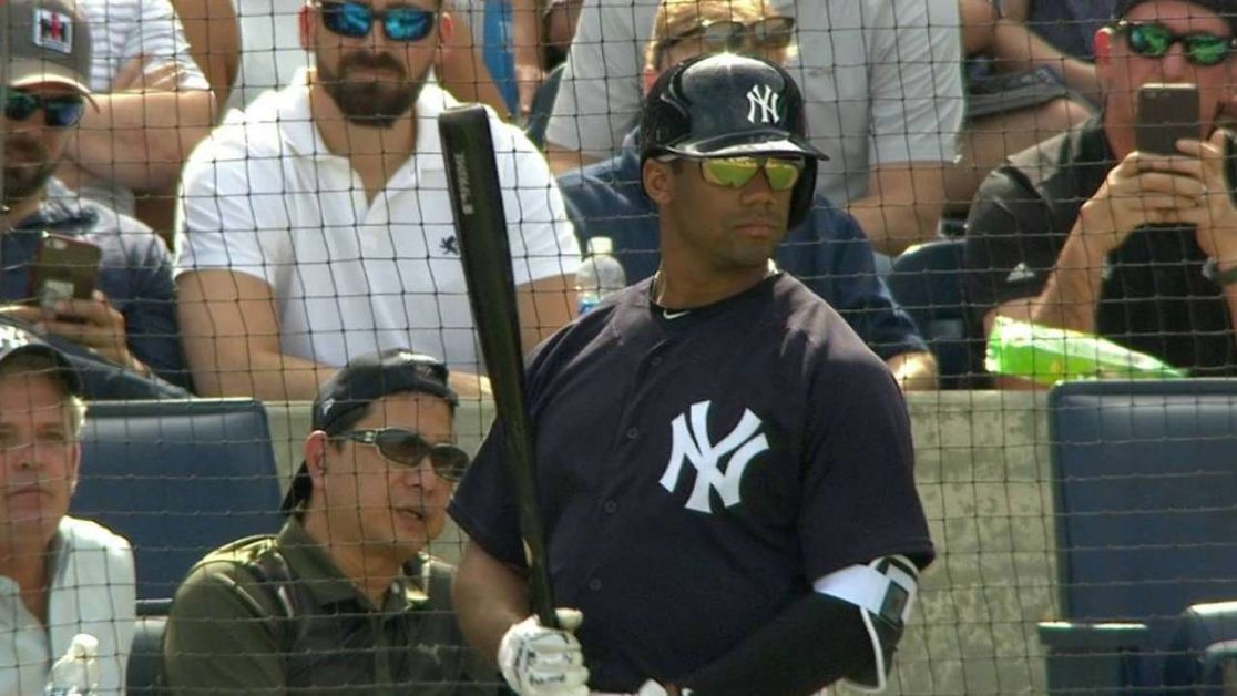 Russell Wilson gets at-bat for Yankees  a16a04b446