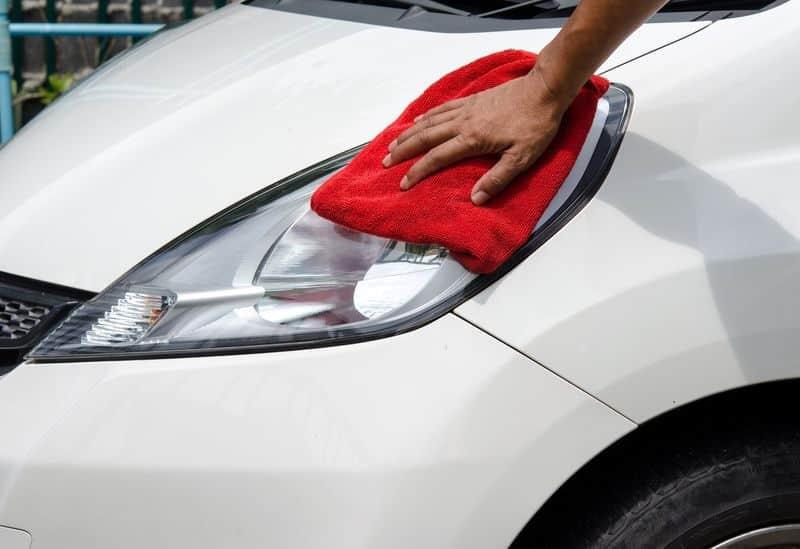 Comment bien entretenir ses phares automobiles et quand les changer ?