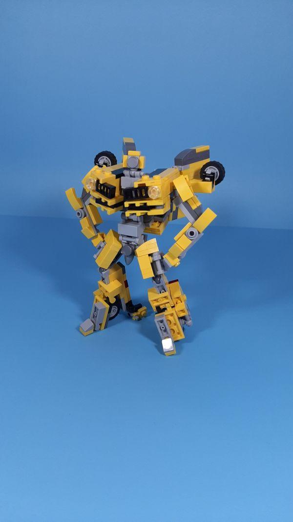 Bumblebee Tramsformers(2007) - by StudentScissors