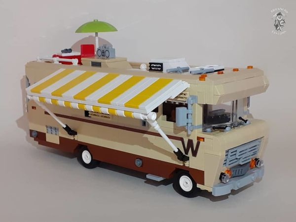 1973 D-27C Winnebago Chieftain  - by @undefined