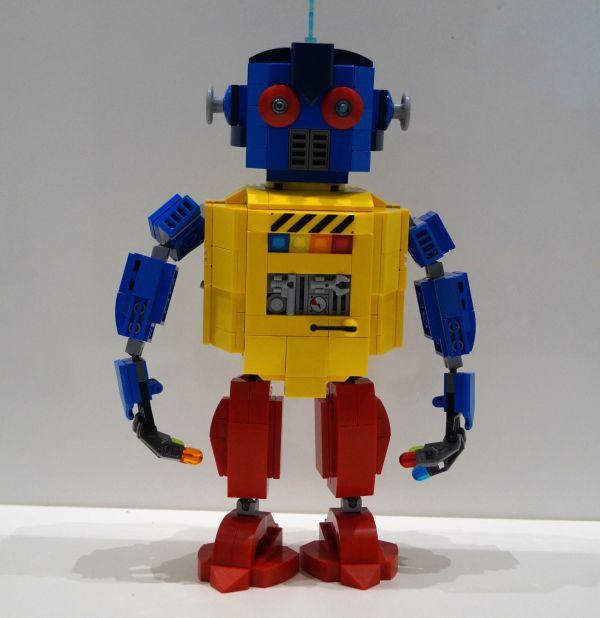 Robot - by legomfr
