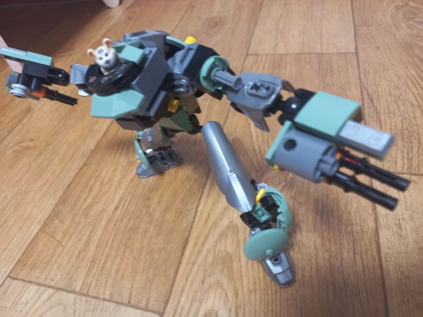 humanoid wrecking ball(overwatch custom build) - by heamou