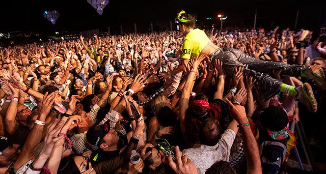 Korona virüs nedeniyle ertelenen Coachella Festivali iptal edildi