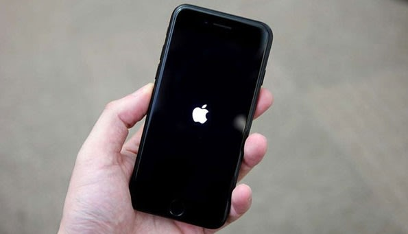 iphone-açılmıyor-elmada-kalıyor-donuyor