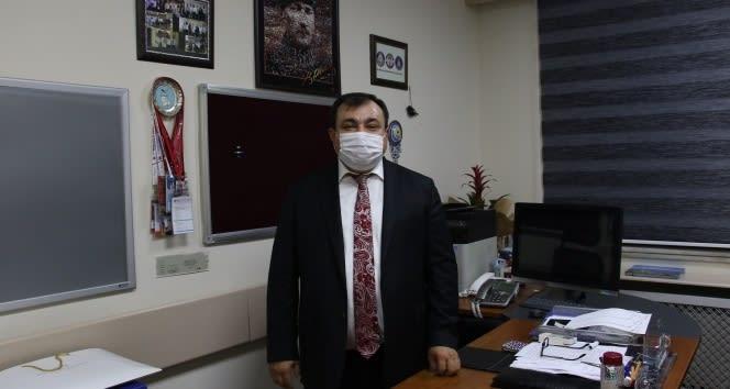 """Bilim Kurulu Üyesi Demircan: """"Bütün Türkiye futbol takımı kaptanı olmuş, maske herkesin pazı bandında"""""""