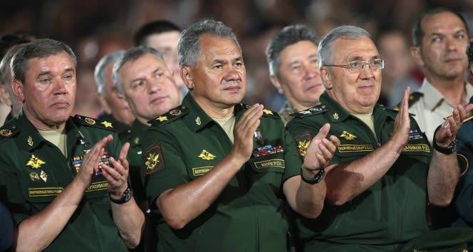 Rusya Savunma Bakanı Şoygu'dan NATO'ya Karadeniz tepkisi