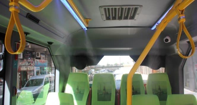 Minibüsündeki yolcuları ve kendisini Koronavirüse karşı kurduğu püskürtmeli dezenfektan sistemi ile koruyacak