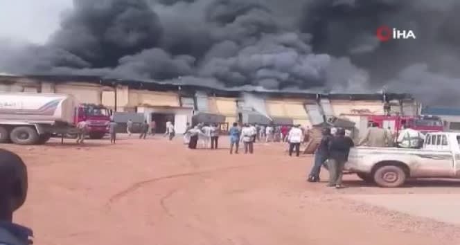 Sudan'da ilaç deposunda yangın