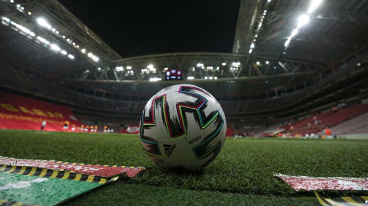 Galatasaray maç öncesine damga vurdu! Hajduk Split'in spikeri…