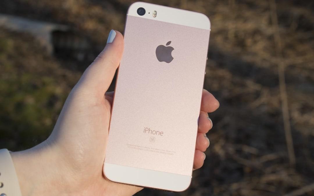 Apple iPhone SE Smartphones