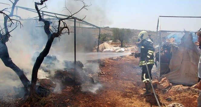 İdlib'te mülteci kampında yangın: 3 ölü