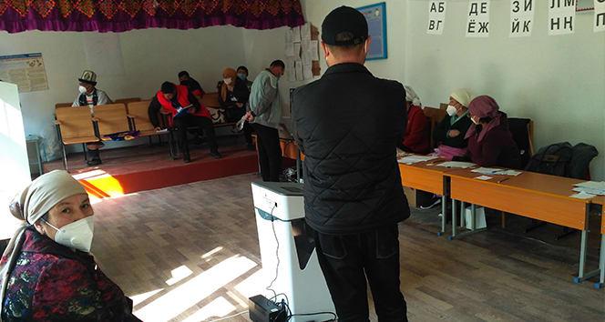 Kırgızistan'daki seçimlerde ilk sonuçlara göre 4 parti barajı aştı