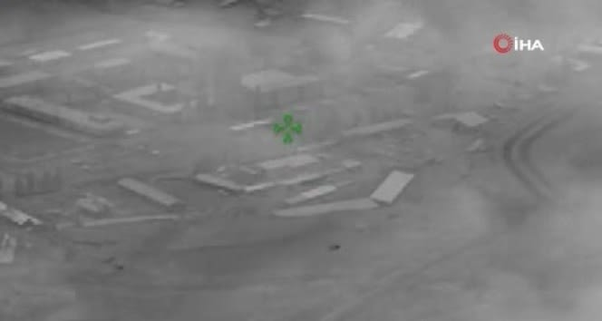 Azerbaycan ordusu Ermenistan'a ait karargah ve mühimmat depolarını vurdu