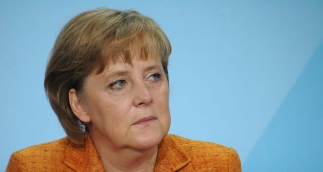 Merkel: 'İkinci bir kapanma durumundan kaçınmalıyız'