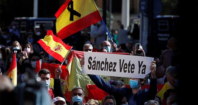İspanya'da Madrid kısıtlamaları protesto edildi