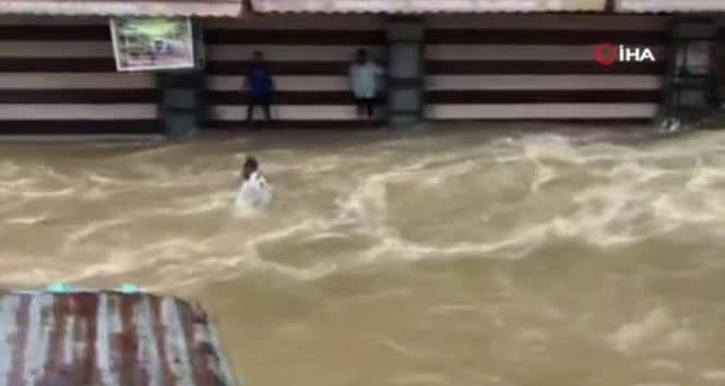 Hindistan'da sel felaketi: 13 ölü