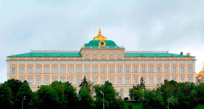 Rusya'ya yaptırım kararı alan AB'ye Kremlin Saray'ında sert cevap