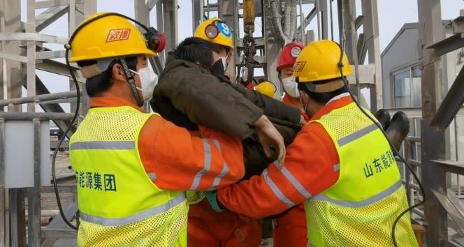 Çin'de mahsur kalan 22 madenciden 11'i iki hafta sonrasında kurtarıldı