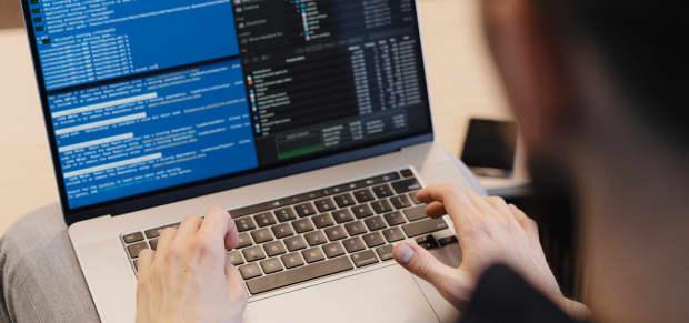 Laravel 8 Laravel Tips Header Image