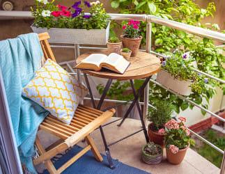 Mach deinen Balkon zu einem Rückzugsort