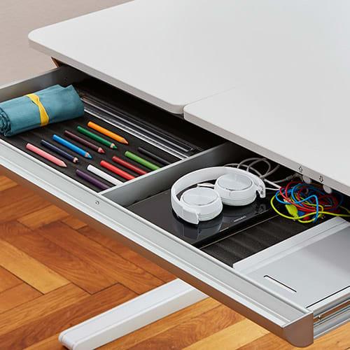 Weißer Schreibtisch mit Schublade