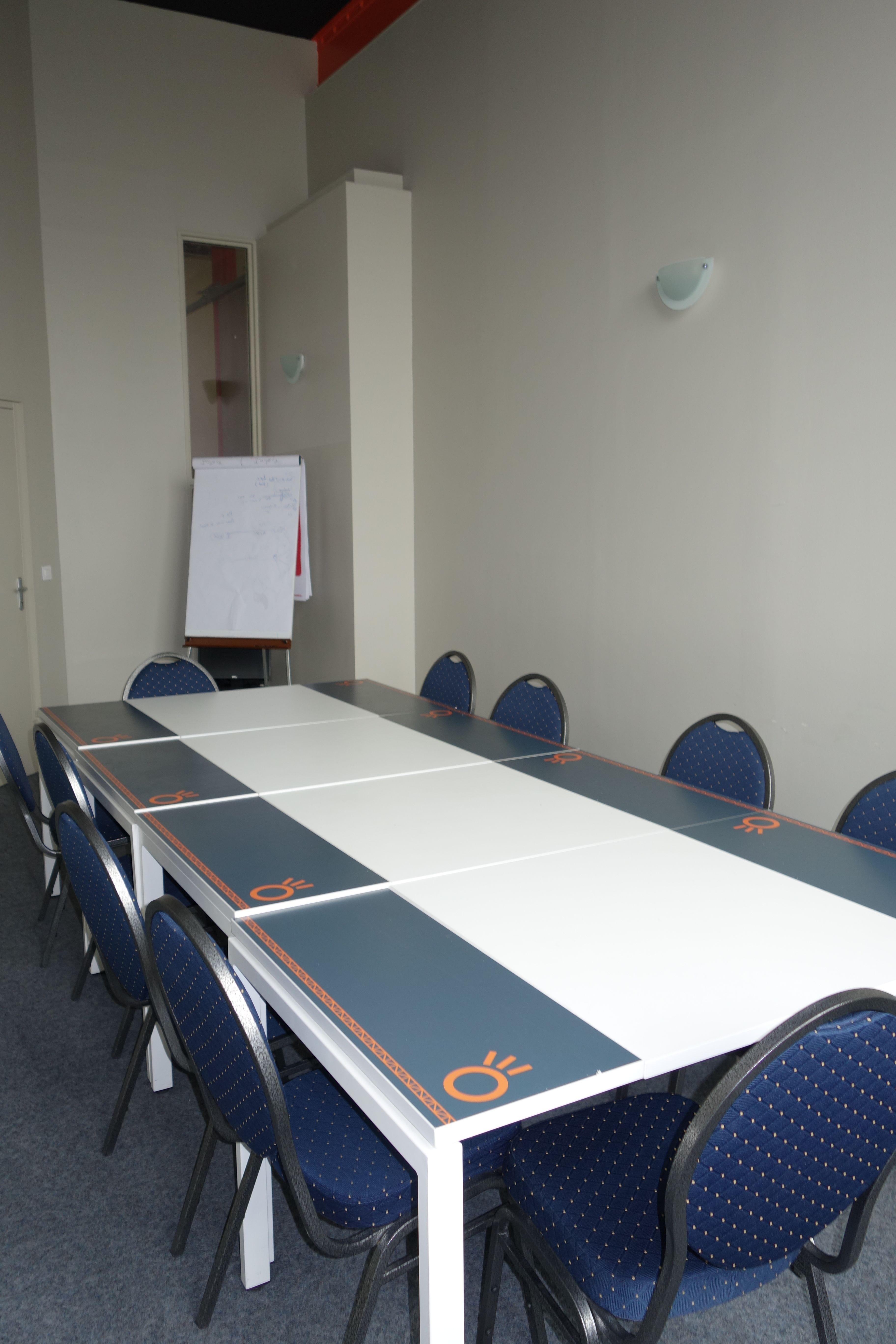 salle de réunion pour 12 personnes à La Madeleine