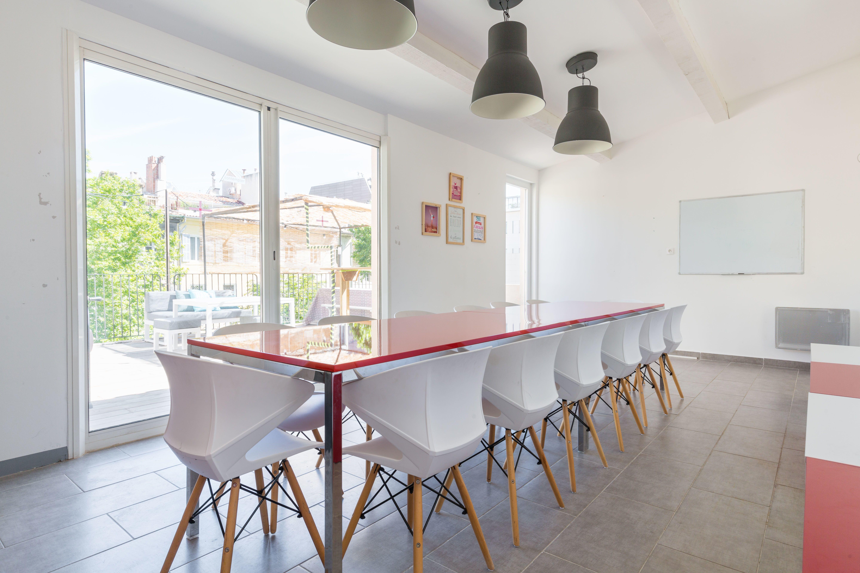 salle de réunion pour 14 personnes à Marseille 06