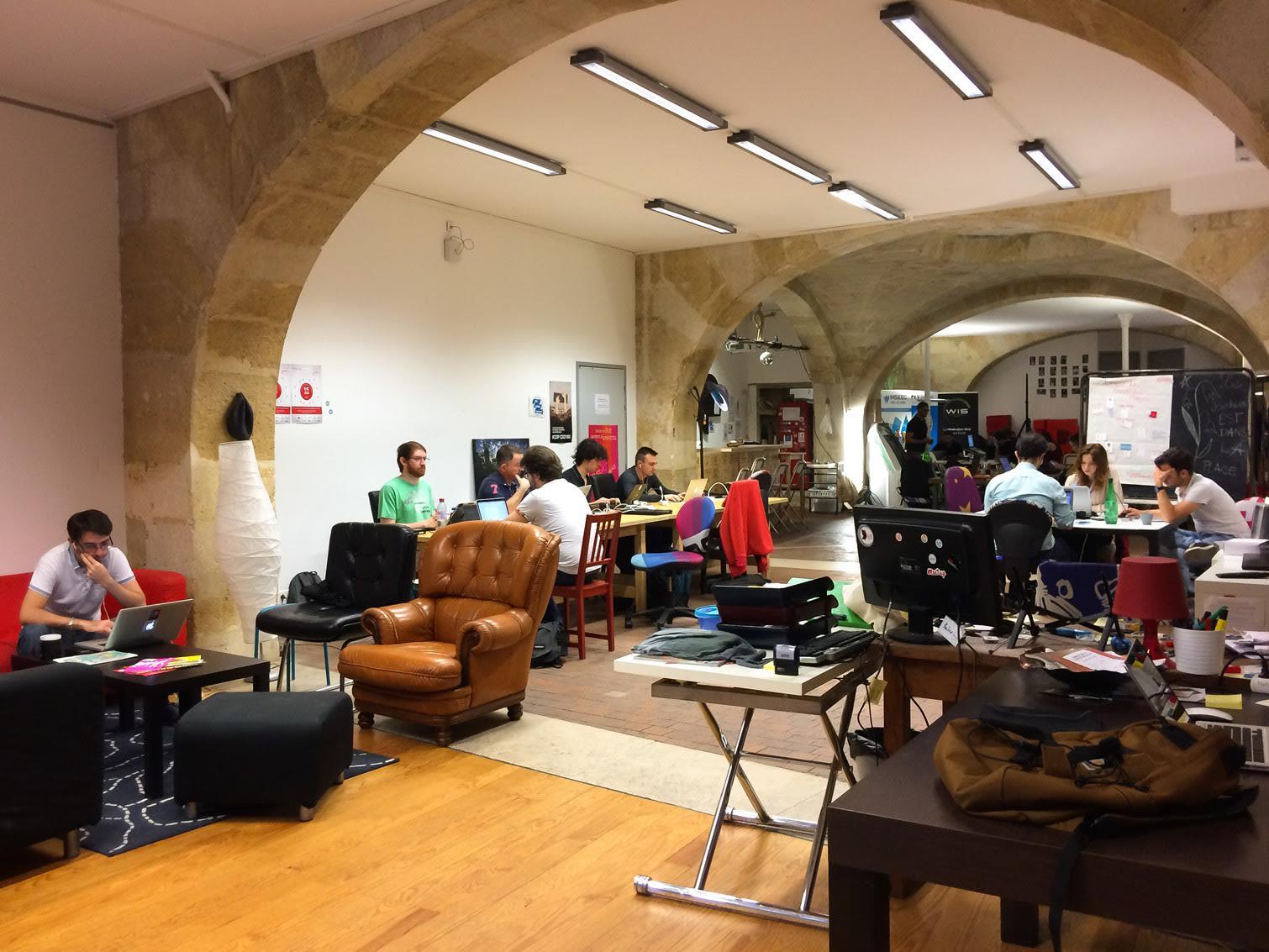 espace partagé d'une capacité de 10 personnes à Bordeaux