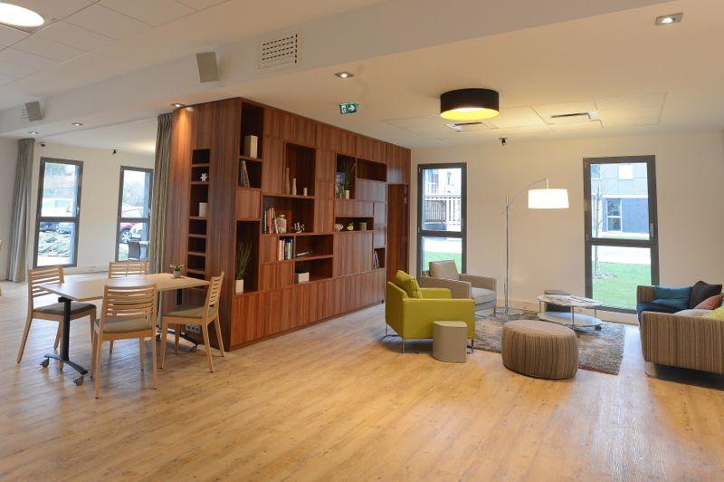 espace partagé d'une capacité de 10 personnes à Saint-Herblain