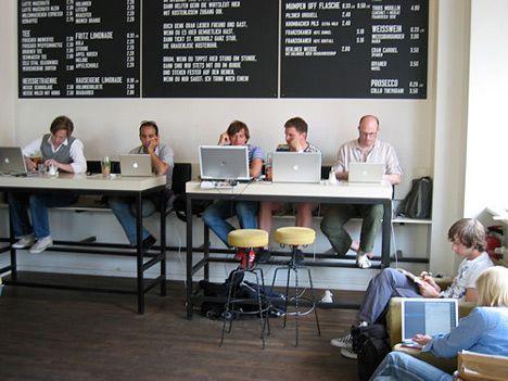 espace partagé d'une capacité de 10 personnes à Saint-Nazaire