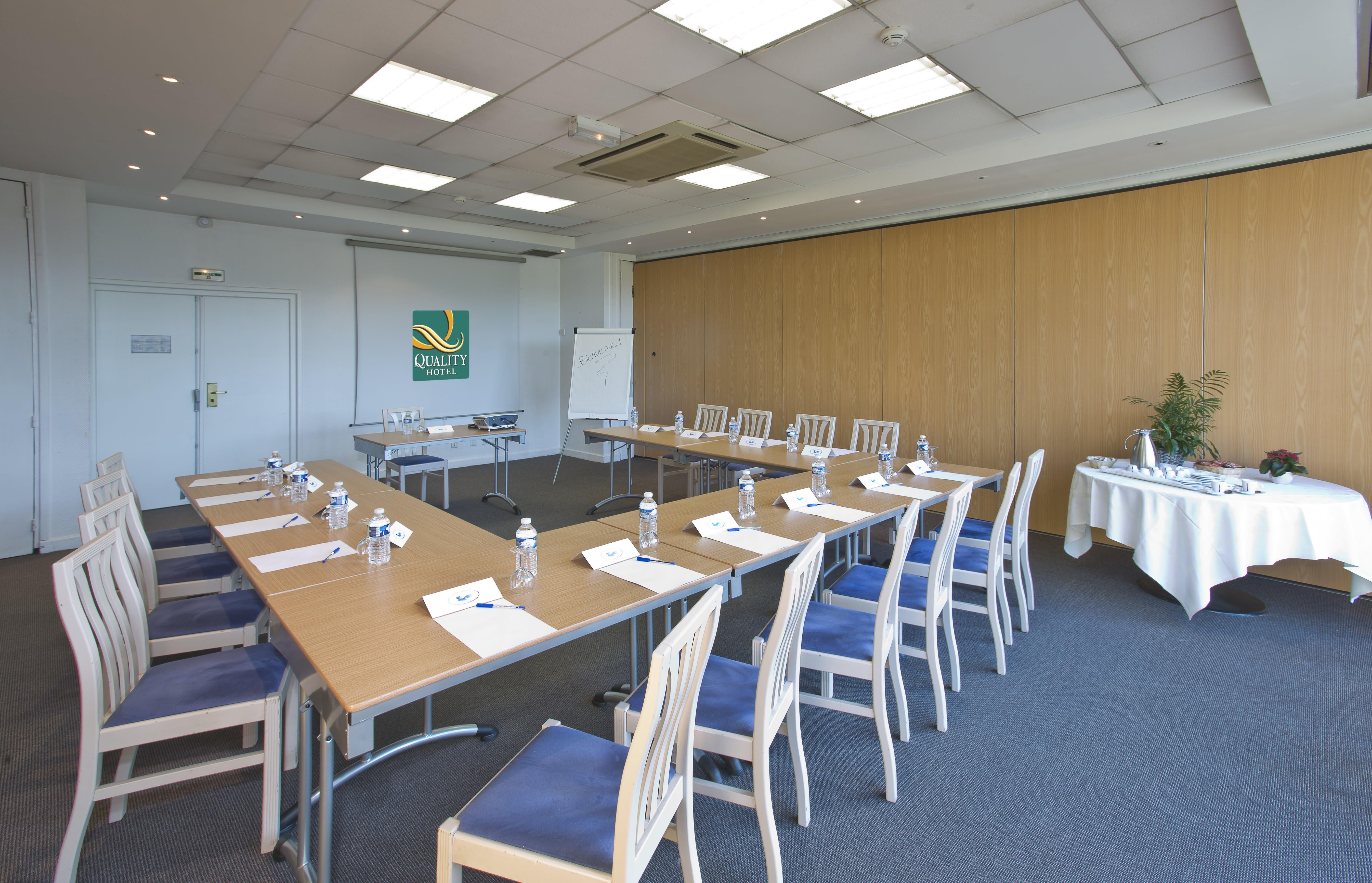 salle de réunion pour 20 personnes à Armbouts-Cappel