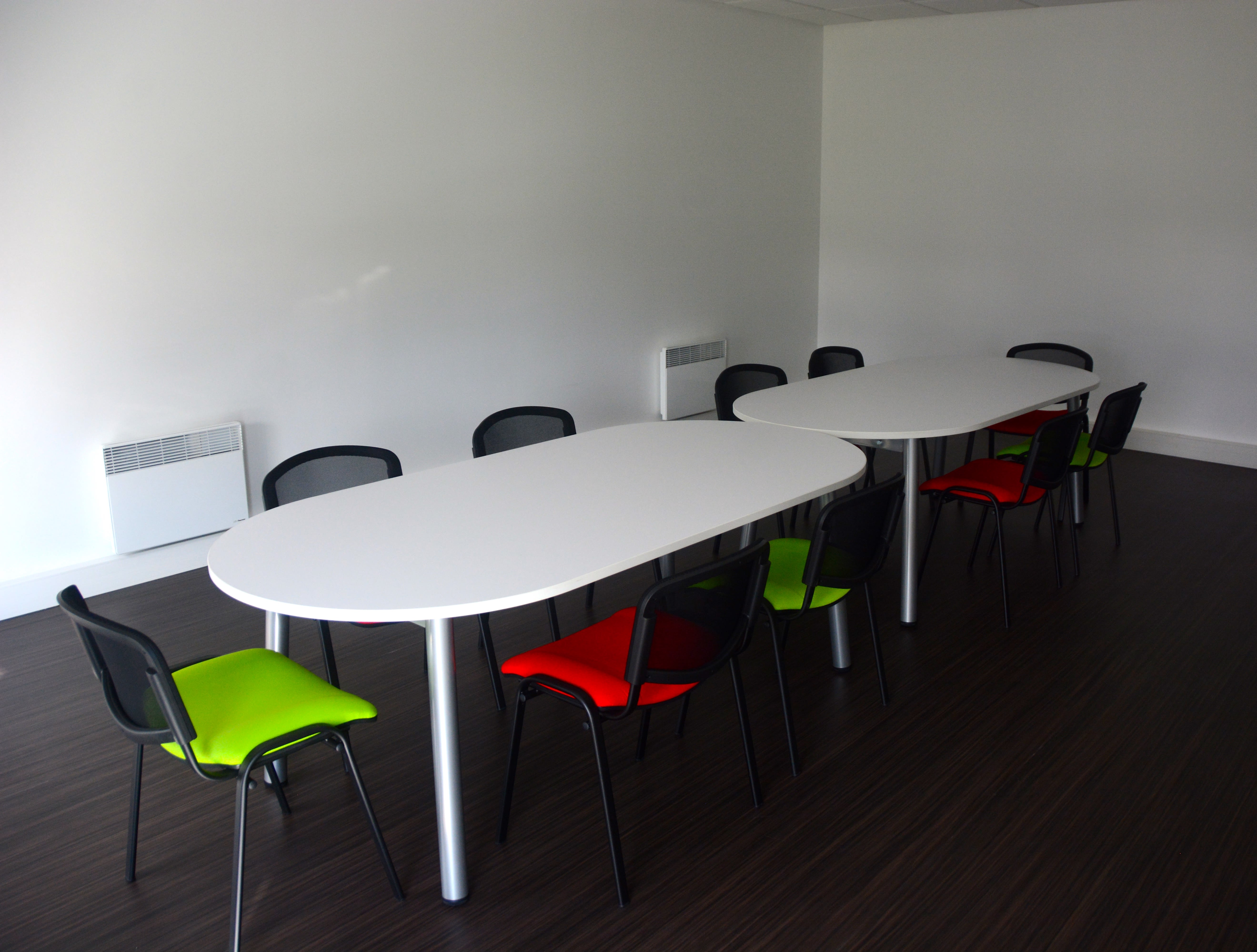 salle de réunion pour 12 personnes à saint andre lez lille