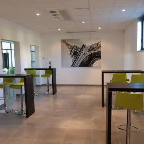 espace partagé d'une capacité de 123 personnes à Grenoble