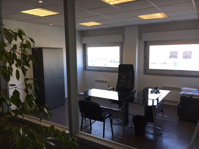 bureau privatif de 3 personnes à Lesquin