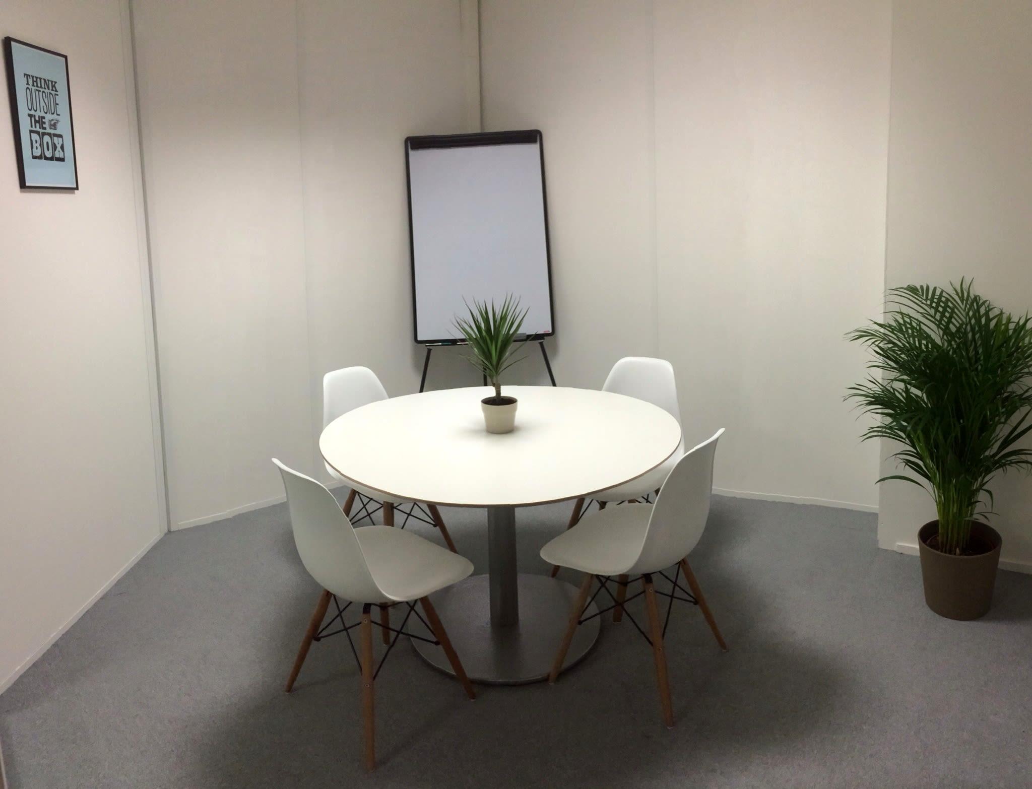 espace partagé d'une capacité de 6 personnes à Paris